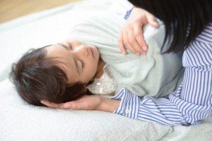 子供 呼吸合わせて寝る